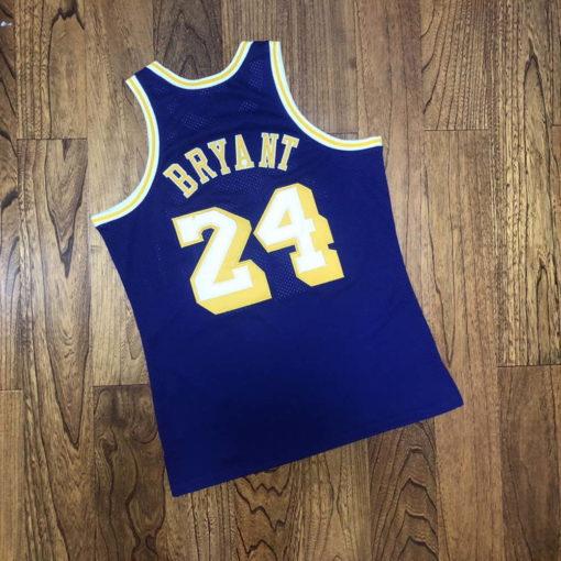 Kobe Bryant Los Angeles Lakers 2007-08 Mitchell & Ness Jersey - Purple 2
